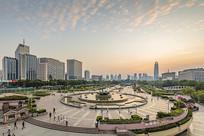 济南泉城广场音乐喷泉全景